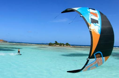 Серфинг, виндсерфинг и кайт-серфинг на острове Антигуа