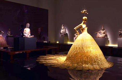 Рекорды музея Метрополитен и высокая мода