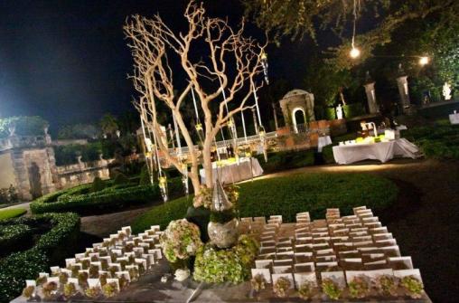 Weddings in Vizcaya Museum and Gardens, Miami